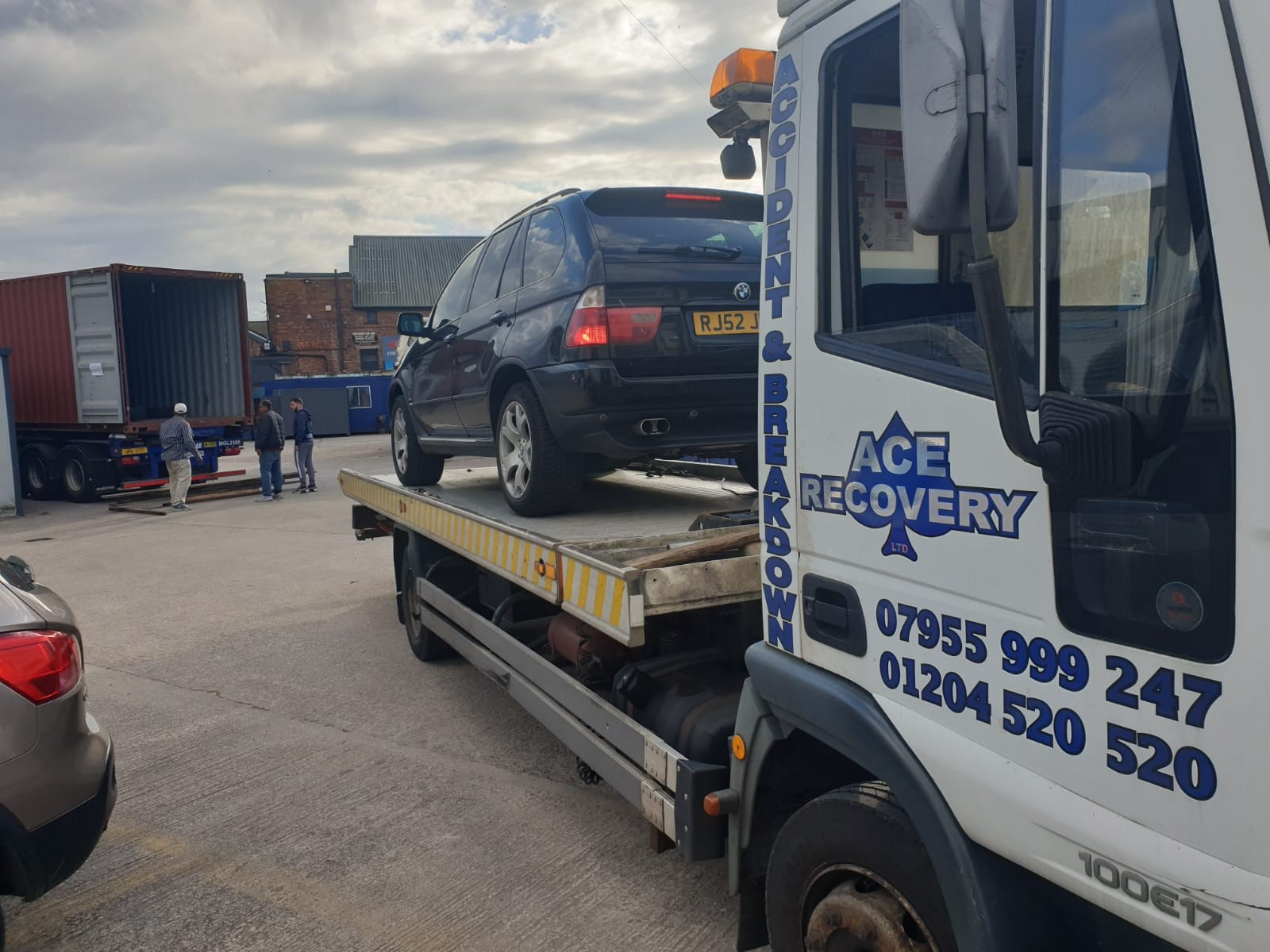 van recovery in Bolton